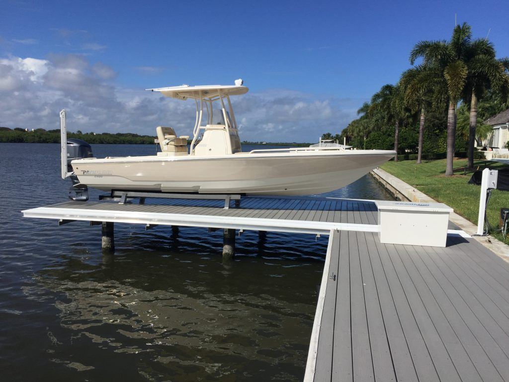 The hydraulic no profile platform boat lift no profile for Boat lift motors for sale